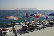 Turkey, Antalya, People relaxing at Mediterranean Sea - MIZ000052