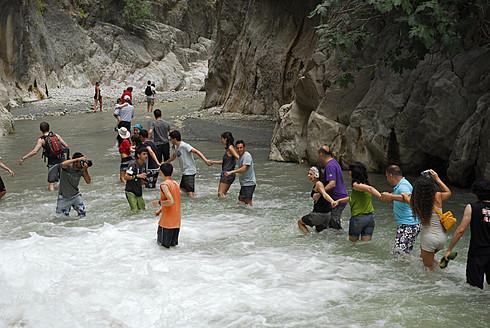 Turkey, Fethiye, Tourist making line in Esen Cayi River gorge at Saklikent Canyon Nature Park - MIZ000047