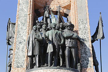 Turkey, Istanbul, Mustafa Kemal Ataturk with comrades on Independence monument at Taksim Square - SIE003249