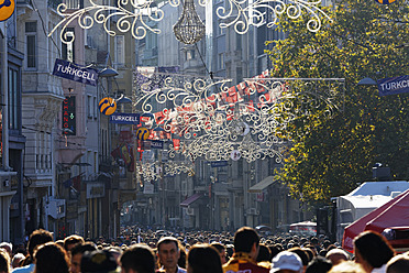 Turkey, Istanbul, View of lighting at Istiklal Caddesi road - SIE003254