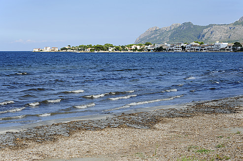 Spain, View of coastline at Alcudia - MIZ000211