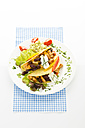 Tacos with chicken on plate, close up - MAEF005649