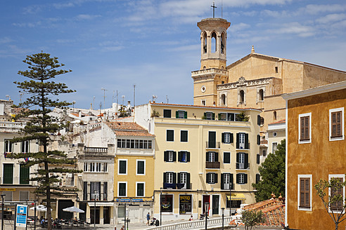 Spain, Menorca, View of Placa Espanya and Church of Santa Maria in background - MS002782