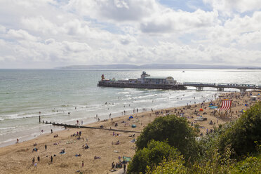 England, Dorset, Bournemouth, People at beach - WD001555