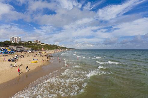 England, Dorset, Bournemouth, People at beach - WDF001557