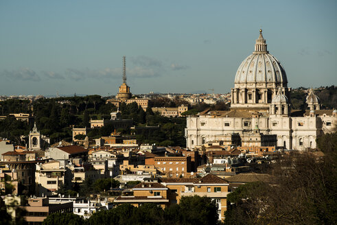 Italy, Rome, View of St Peters Basilica at Vatican - KA000056