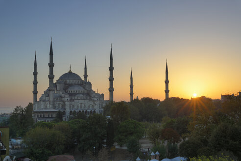 Turkey, Istanbul, View of Sultan Ahmed Mosque at Sultanahmet district - SIEF003378