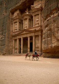 Jordan, Petra, View of stone temple - TK000074