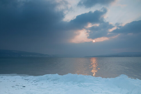 Germany, View of Lake Constance during winter - BST000013
