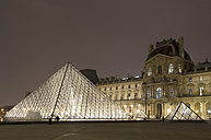 France, Paris, Musee du Louvre museum by night - ON000041