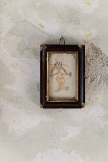 Germany, Bavaria, Child's drawing in picture frame hanging on wall - TD000013
