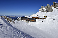 Germany, Bavaria, View of mountain station of Karwendelbahn - ES000344