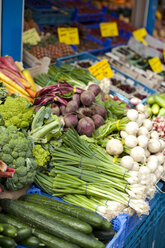 Germany, Duesseldorf, Variety of vegetables in market, close up - KVF000001