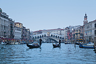 Italy, Venice, View of Grand Canal and Rialto bridge at dusk - HSI000144