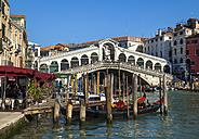 Italy, Venice, Gondolas on Canal Grande at Rialto bridge - HSIF000213