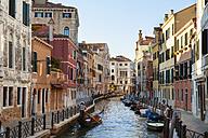 Italy, Venice, Sleepy canal in Dorsoduro - HSI000195