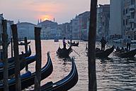 Italy, Venice, Gondolas on Canal Grande at Rialto Bridge - HSI000280