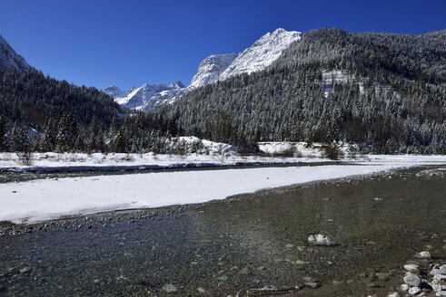 Austria, Tyrol, View of Rissbach with Johannestal and Stuhlkopf  near Karwendel Mountain - ESF000371