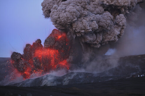 Iceland, View of lava erupting from Eyjafjallajokull - MR001409