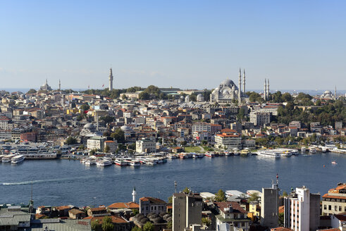 Turkey, Istanbul, View of Suleymaniye Mosque in city - LH000020