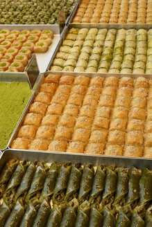 Turkey, Istanbul, Variety of Turkish delights - LHF000032