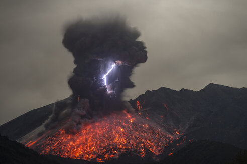 Japan, View of lightning and lava erupting from Sakurajima volcano - RM000484
