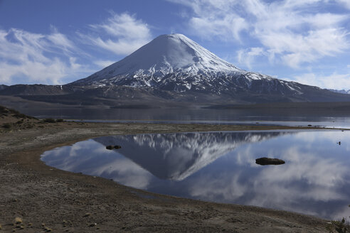 Chile, View of Parinacota volcano - RM000503