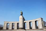 Germany, Berlin, View Of Russian cenotaph - FBF000035