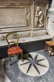 Italy, Rome, Statue of angel in Santa Maria del Popolo - MIZ000324