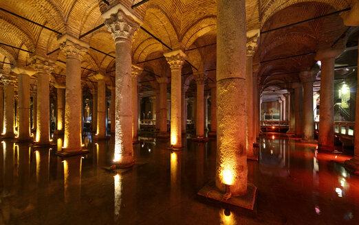 Turkey, Istanbul, Interior of Basilica Cistern - LH000085