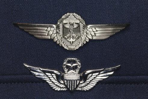 Germany, Laupheim, Pilot wings of Air Force uniform, close up - HA000059
