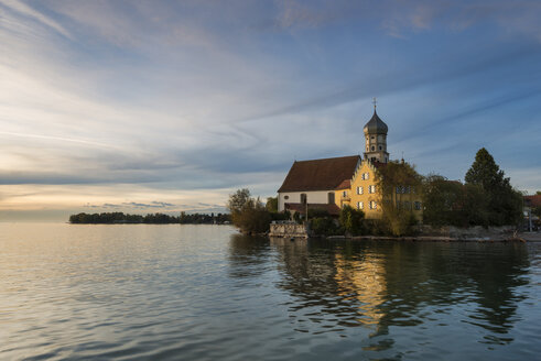 Germany, Bavaria, View of St George church on Lake Constance - EL000032