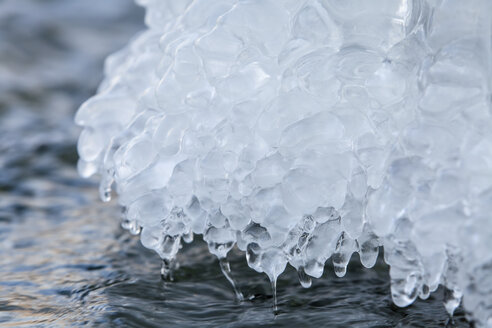 Germany, Hesse, Structures of ice, close up - SRF000095