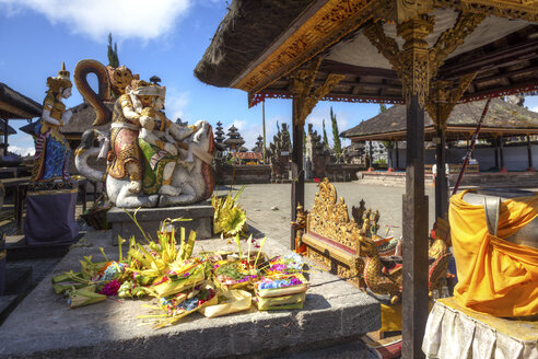 Indonesia, Statue in Pura Ulun Danu Batur temple at village Batur - AMF000084