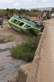 Africa, Kenya, Accident of safari jeep at Maasai Mara National Park - CB000114