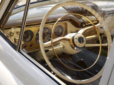Germany, Hessen, Vintage car of Opel Kapitan - BSC000283