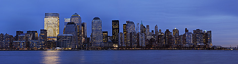 USA, New York State, New York City, View of Lower Manhattan with Hudson river - RUEF001029