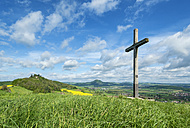 Germany, Baden Wuerttemberg, Konstanz, View of Summit cross in the Hegau landscape - EL000151