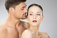 Young couple falling in love, close up - MAEF006705