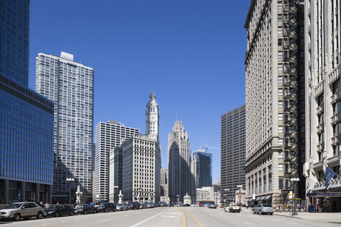 United States, Illinois, Chicago, View of Wrigley Building and Tribune Tower - FOF005118