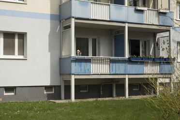 Germany, Berlin, Person looking through binoculars - FB000055
