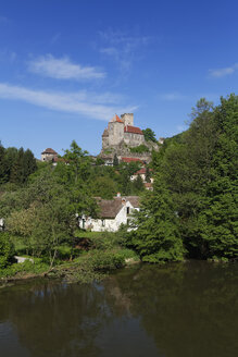Austria, View of Hardegg Castle in smallest town - GFF000013