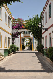Spain, Alley of Puerto de Mogan - BST000084