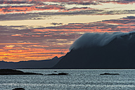 Norway, Clouds roll over mountains - HWO000015