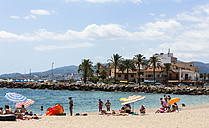 Spain, Mallorca, View of people at Portixol beach - AM000348