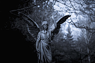 Germany, Cologne, Statue of angel at Melatenfriedhof - KJ000231