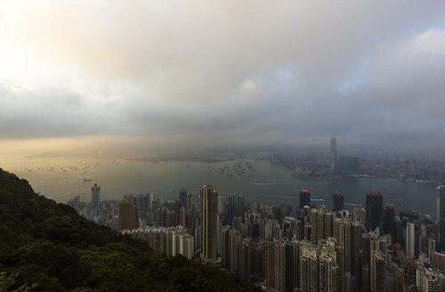 China, Hong Kong, View of Victoria harbour - SJ000033