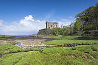United Kingdom, Scotland, View of Dunvegan Castle - EL000220