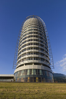Germany, Bremerhaven, View of high rise building - SJ000035