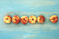 Peaches on wooden table, close up - OD000213